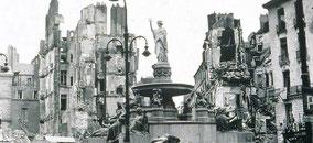 La place royale où seul la fontaine a été épargnée