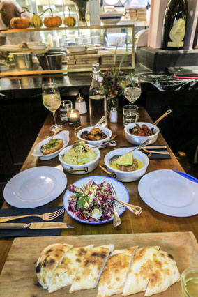 Bank Zurich restaurant Helvetiaplatz sharing dishes trendy