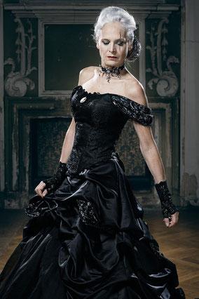 Gehrocke Brautkleider Lucardis Feist Extravagante Brautmode