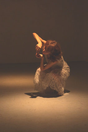 Performance von Hiroyo Kitao, Fotos: omba