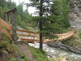 Lärchenholz, Hängebrücke, Handlauf