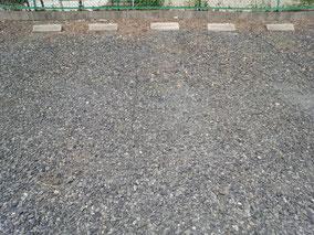 綺麗に除草された駐車場
