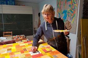 Claudia Lasaroff in ihrem Atelier