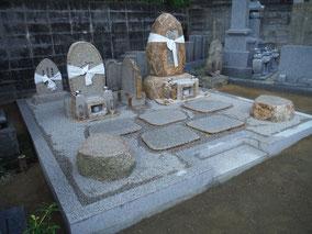 自然石先祖墓+供養塔:倉敷