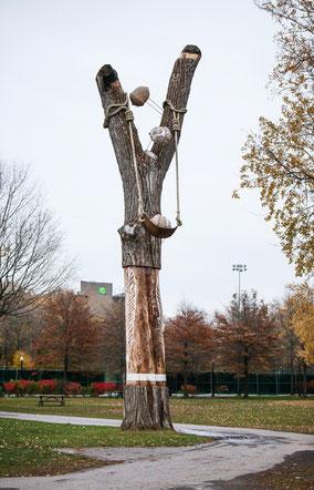 Oeuvre le Proliférateur, le slingshoot du parc La Fontaine