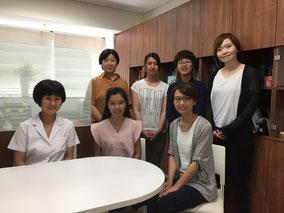 7/23 交換学生プログラムで来日したKhanunさんを囲んで。可愛らしい優秀な学生さんです。