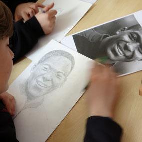 """Dessin graphite - portrait du footballeur """"Mbappé"""""""