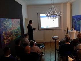 Geschäftsführer Ingo H. Schaub während des Vortrages zum Thema Rückblick auf den Kapitalmarkt 2015
