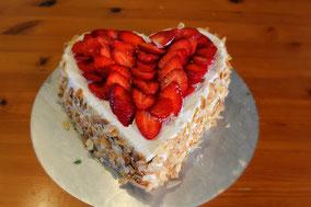 Erdbeerherz zum Muttertag ohne Zucker - Dinkelprofi.de