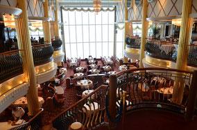 Eines der zahlreichen Restaurant ans Bord.