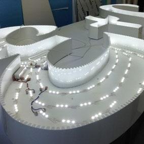 Leuchtbuchstaben mit LED ausgeleuchtet.
