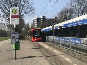 Unbekannte beschießen die Straßenbahn der Linie 4 (Symbolfoto)