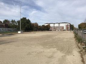 Planierte Neubaufläche im Familienviertel in Bremen-Arsten (Foto: 08.10.2018)