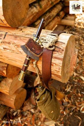 apprendre à allumer le feu briquet par percussion étoupe amadou tradition forge