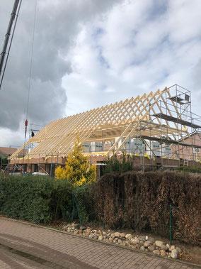 Neues Dach im Rohbau