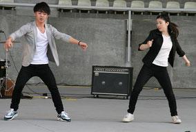 男女の二人組ヒップホップダンスユニットBloom