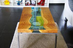 Esstisch Dinnertable Design Tisch Salontisch Couchtisch Sofatisch Beistelltisch Möbeldesign Holztisch Eichentisch Vollholztisch Eiche Rustikal Wohnbereich schöner wohnen Inneneinrichtung Massivholz Tisch Einzelstück Wooddesign