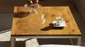 Esstisch Dinnertable Eigenheim Design Tisch Salontisch Wohnzimmer Couchtisch Sofatisch Beistelltisch Möbeldesign Holztisch Eichentisch Vollholztisch Eiche Rustikal Wohnbereich schöner wohnen Inneneinrichtung Massivholz Tisch Einzelstück Wooddesign