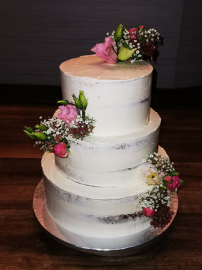 Hochzeitstorten Konz Trier Saarburg Cupkake Cake Seminaked Nakedcake Torte Motivtorte Kuchen