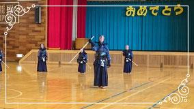卒団する中3剣士