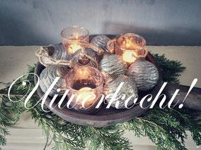 Slinger met 7 glazen kerstballen, Stoer, Sober, Industrieel, Puur, Robuust, Grof, Landelijk wonen, Sfeervol, Geleefd, Stijlvol, Doorleefd, landelijke stijl, landelijke decoratie, vintage.