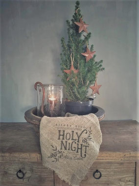 """Shabby doek groot """"Holy Night"""", kerstmis, kerst, feestdagen, ninoart, Stoer, Sober, Industrieel, Puur, Robuust, Grof, Landelijk wonen, Sfeervol, Geleefd, Stijlvol, Doorleefd, landelijke stijl, landelijke decoratie, vintage."""