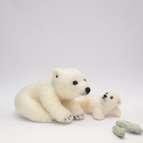 Polarbär, Filztier, Waldorfpuppen, Sammlerstück, Eisbär, Filztier, Filztiere, Kunstfilzen, Filzfigur, Filztiere aus Wolle