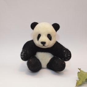 Panda, Pandabär, nadelgefilzter Panda, Filztier, Filztiere, nadelfilzen, Skulptur aus Filz, Filztiere, Dekoration, Geschenkidee, Filzpanda