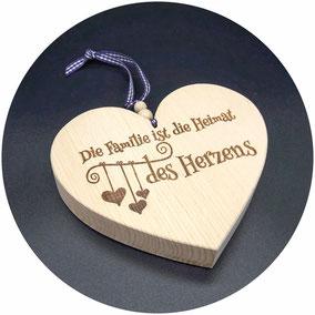 Holz Herz Zirbe als Geschenk zur Hochzeit