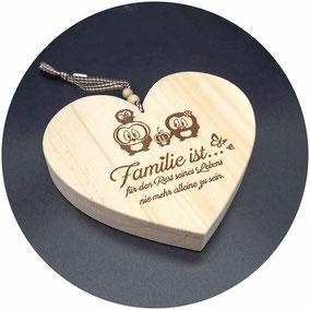 Holz Herz Zirbe Natur mit Deko Schleife und Holzkugel
