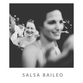 Salsa Tanzschule Baileo aus Leipzig mit Meylem Gonzalez - Fotograf Dirk Brzoska aus Leipzig www.dirk-brzoska.de