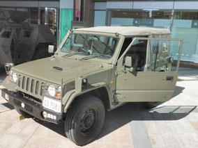 73式小型トラック(新型、斜め前)