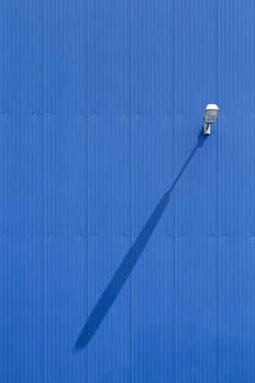 architecture, blau, blue, shadow, Schatten, Minimalismus, minimalism, minimalist, minimalistisch, Holger Nimtz, Wandbild, Kunst, fine art,