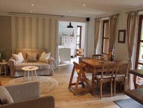 modern eingerichtete Ferienwohnung - hell und freundlich