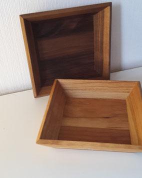 Holzschalen und Holzbrettchen, verschiedene Größen und Holzarten möglich