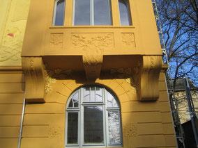 Sanierung, Restaurierung einer Fassade, Gold'n art Wiesbaden/Eisenberg