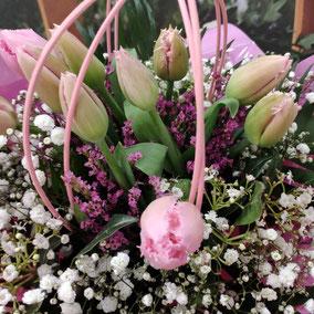 Ramo de tulipanes rizado. 12€