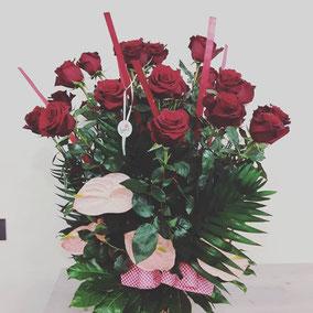 Ramo de rosas con anturium. A partir de 50€
