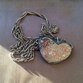 Pendentif cœur perles roses - chaîne argent 926 - galet du Salat gris