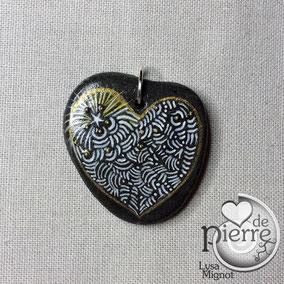 Pendentif double - une face cœur, une face arbre - acrylique blanc et or - galet du Salat gris clair percé - anneau argenté sans nickel - vernis mat