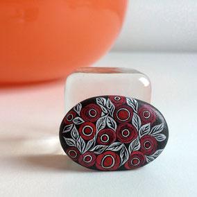 Galet décoratif fleurs - peinture acrylique sur galet de rivère - fini mat