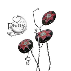 Trio de fleurs décoratives acrylique et perles - galets du Salat noir vernis - tige aluminium
