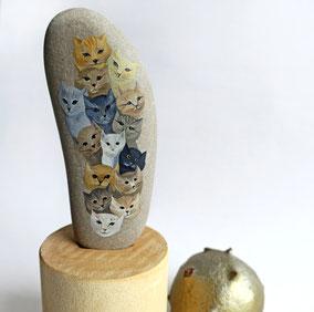 Galet décoratif 15 CHATS - peinture acrylique sur galet de rivière - fini mat