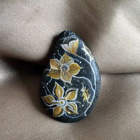 galet du Salat noir - fleur acrylique blanc et or