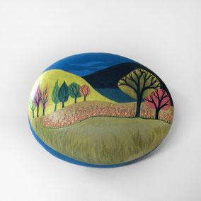 Galet décoratif PAYSAGE - acrylique sur galet de rivière - fini satiné