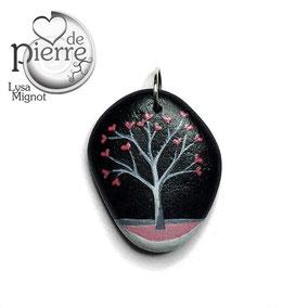 Pendentif arbre à cœurs acrylique - tour de cou cuir 43 cm - galet du Salat noir