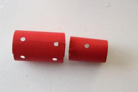 5箇所パンチやペンの先で穴を開ける