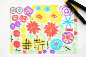 油性ペンはニスくさいものが多いので お子さんが描くのに気になる場合はこちら IKEAの布に描けるカラーペンなどをおすすめします