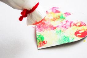 色つけや絵を描いたり子供の自由に装飾