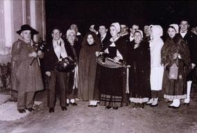 Messe de Minuit à Noël, église de St Aout, en présence de George CHARBONNIER et Michèle FROMENTEAU.